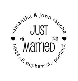 The Round Just Married rubber stamp is a great and unique way to let everyone know about your special wedding date!